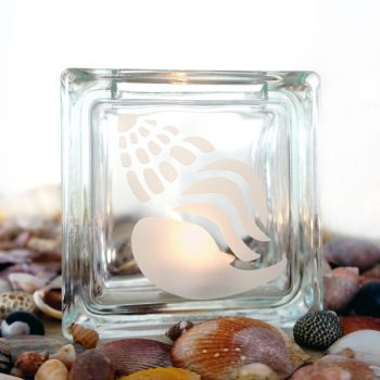 Tea light candle holder glass with shell motif